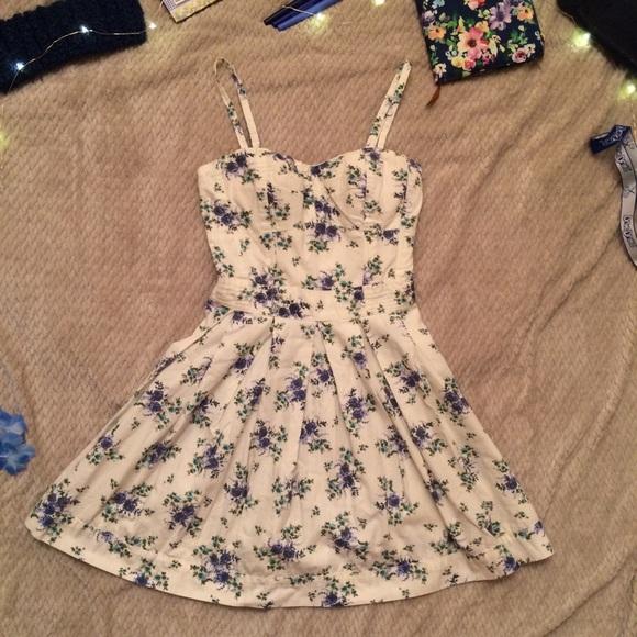 🐬 Jessica Simpson White Floral Mini Dress